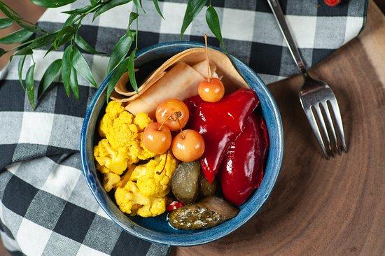 Sezonowe warzywa z naszej spiżarni
