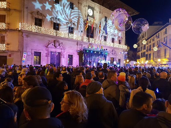 Palma thuộc Mallorca, Tây Ban Nha: Silvesterparty auf dem Placa de Cort