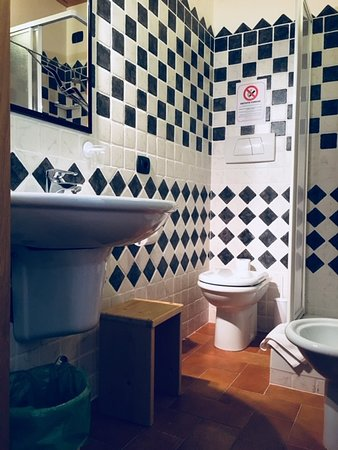 Prime The Swallows Rooms Bathroom Picture Of Agriturismo La Uwap Interior Chair Design Uwaporg