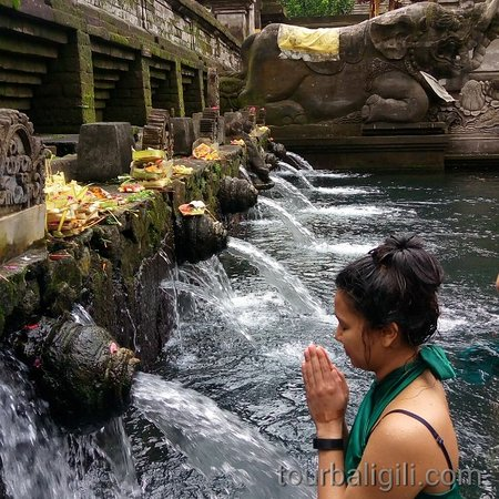 Self Purification at Holy Water Temple