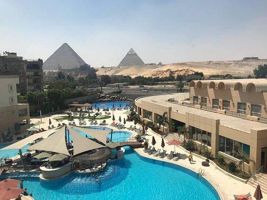 Província de Giza, Egito: Giza Pyramids hotel. www.abutoursegypt.com