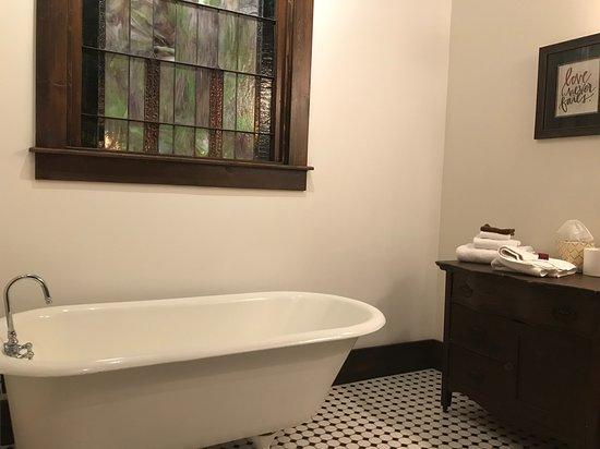 Charleston, IL: Clawfoot tub in Choir Loft bathroom.