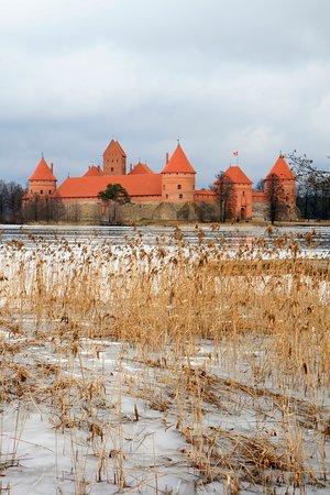 ¿Conoces el castillo de Trakai en Lituania? Pues no se a qué esperas. ¡Mira que belleza!