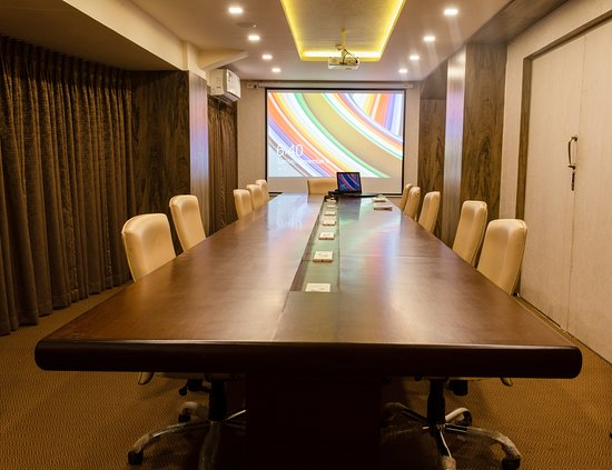 Hotel Anthurium Circle: Conference Room: The conference room can seat upto 22 people, equipped with an overhead projector and a motorized electric auto projector screen