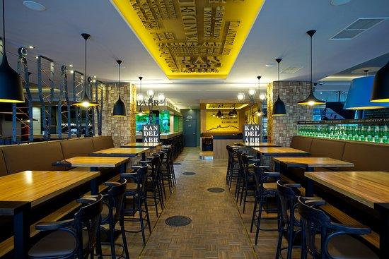 Vysehradsky Restaurant Kandelabr
