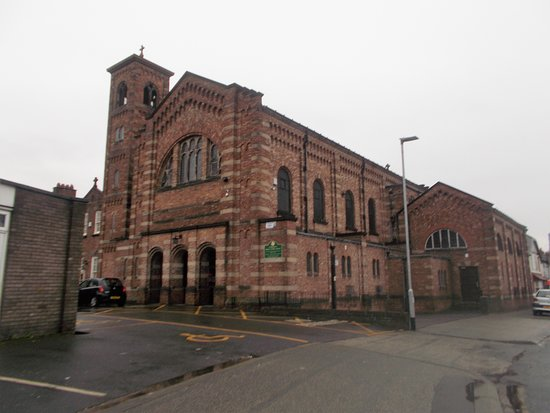 Γουόρινγκτον, UK: St Benedict's Roman Catholic Church, Warrington