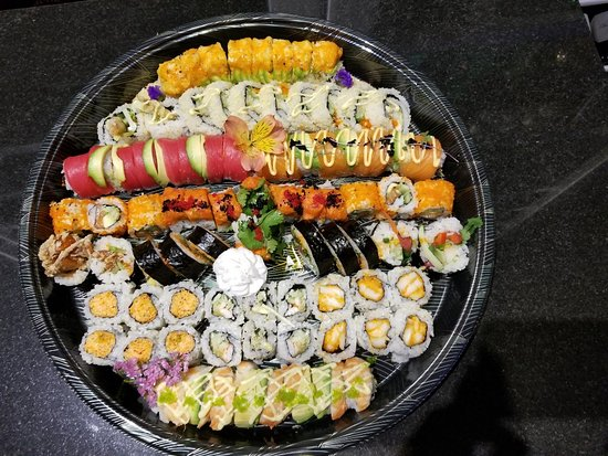 Hoffman Estates, IL: Deluxe party tray
