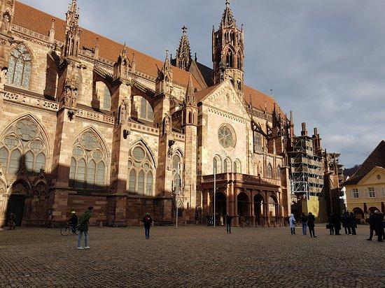 Freiburg im Breisgau, Saksa: υπεροχη πολη!!