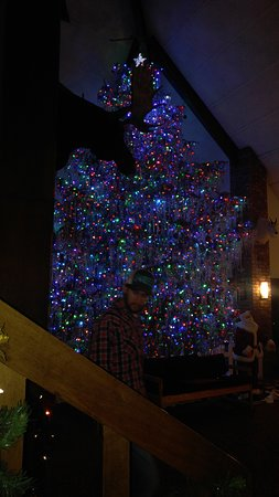 This is the traditional tree in the lobby, it takes your breath away. Tinsel, 6000 + lights and it takes 6 days to put it up. Watch the video on the screen next to the desk area.