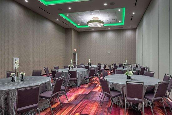 DeSoto, TX: Meeting Room