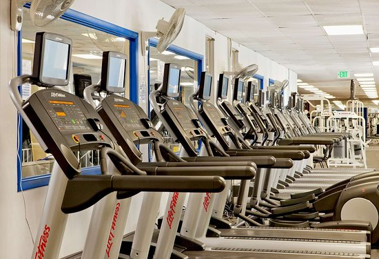 Pikesville, MD: Health club