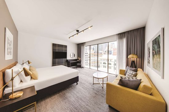 vibe hotel sydney executive room bedroom king
