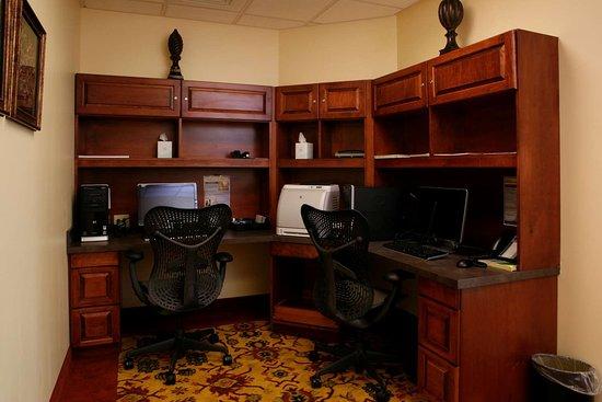 Roanoke Rapids, NC: Business Center