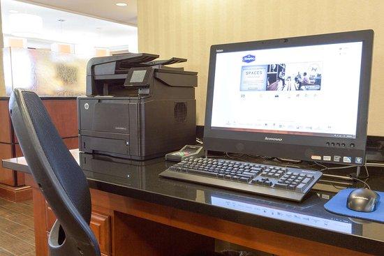 Saint Ann, MO: Business Center