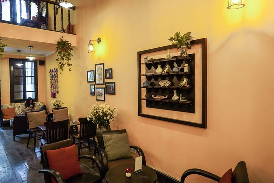 A Little Hoi An - Coffee & Tea : All the decorations was made by famous traditional artists and created an antique vibe.