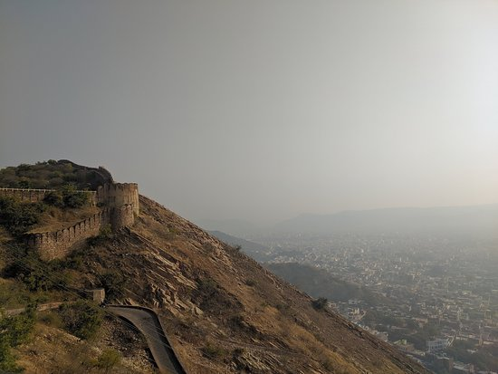 3-Hour Morning Bike Tour of Jaipur: City and fort