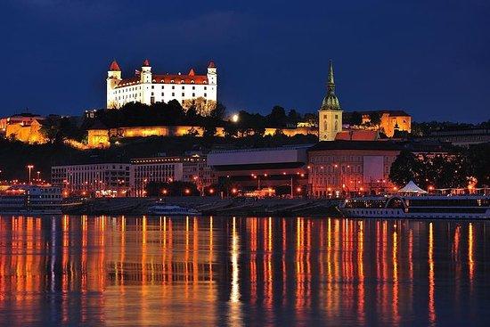 Bratislava de noche: recorrido a pie
