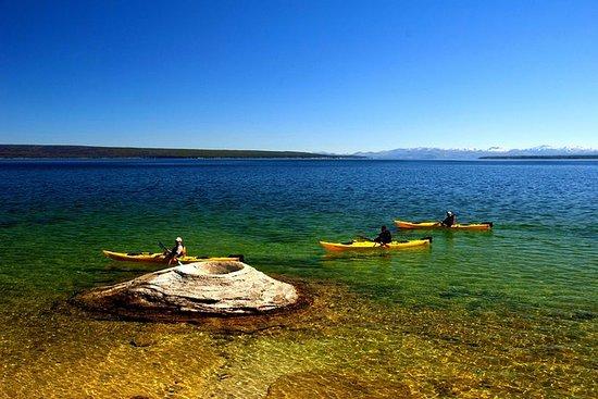 皮划艇日在黄石湖上划桨