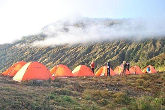 Excursión de 2 días al volcán Mt...