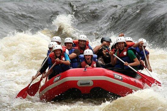 Wildwasser Rafting Abenteuer auf dem...