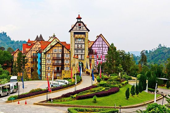 Highlands Tour to Bukit Tinggi French...