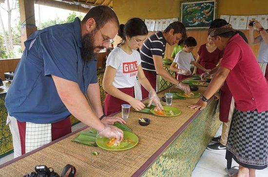 Culinária Tradicional Balinesa com...