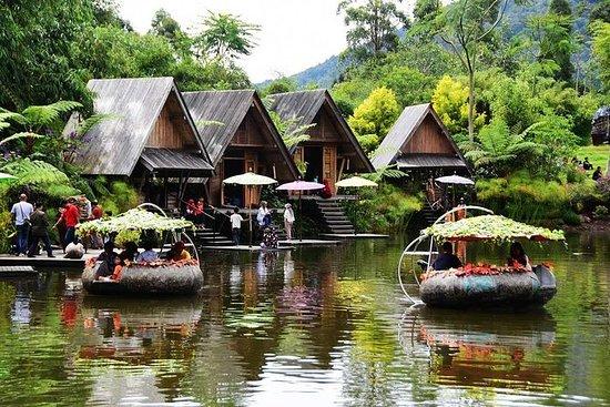Bandung Bamboo Village med Lembang...