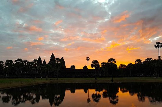 Angkor Complex with Sunrise- Small Group