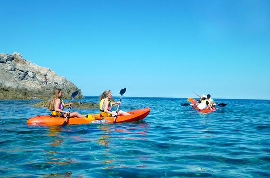Sea kayaking guided tour in Corsica...