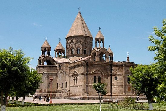 Ejmiadzin (St.Ripsime, St.Gayane...