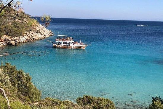 Tägliche Bootsfahrt zu den schönsten...