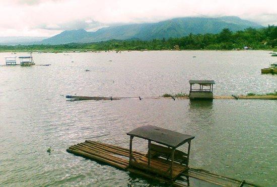 Situ Bagendit Lake: rakit