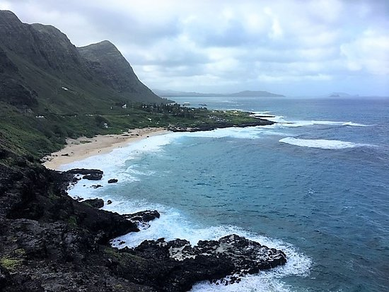 Oahu, Havai: View of Makapu'u Beach from Makapu'u Lookout