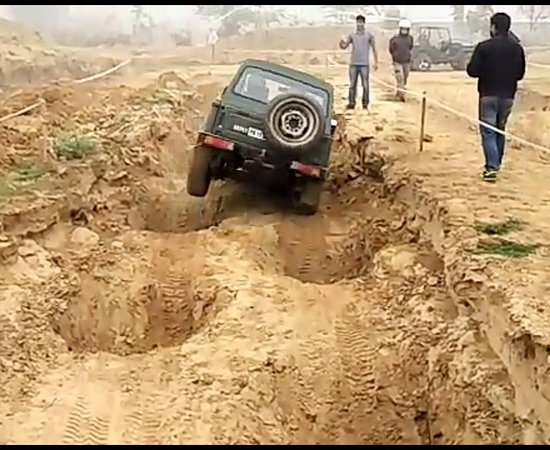 Off Road Adventure Zone: offroad cars, monster trucks and dirt bikes
