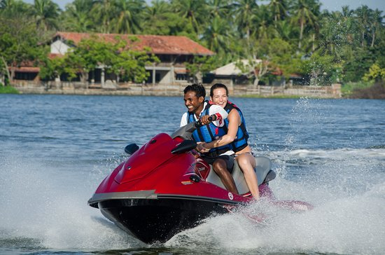 Negombo, Sri Lanca: Water sports at Amagi Aria