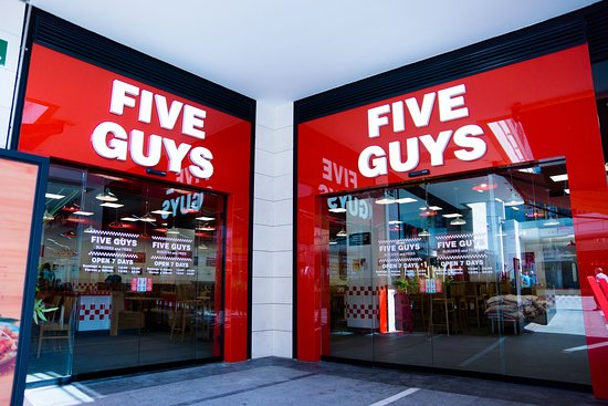 8b9d6136a74 Five Guys - Puerto Venecia