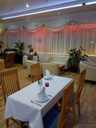 Desborough, UK: dining area