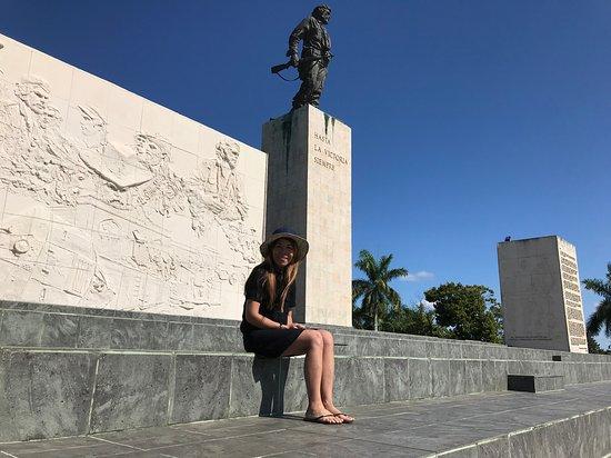 Mausoleo del Che Guevara: Che's statue