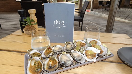 1802 Oyster Bar & Bistro: Oysters 3 ways
