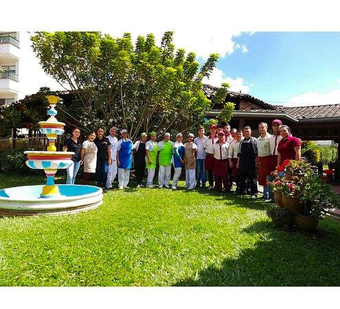 El Portal Restaurante : Somos la familia portal Guatapé.