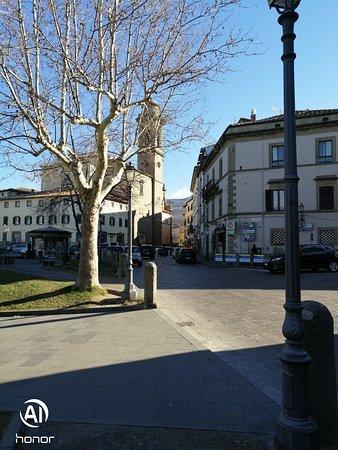 corcio tra piazza e Corso