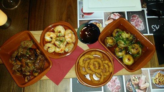 Chez Nous Lunch & Diner: tapas