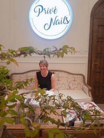 Prive - Luxury Nails & Spa Boutique: BEST SALON IN VIETNAM - PRIVE NAILS