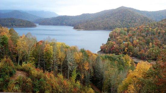 Nantahala Township, NC: Nantahala Lake in the fall, just a couple miles up the road from Cherokee Mountain Cabins.