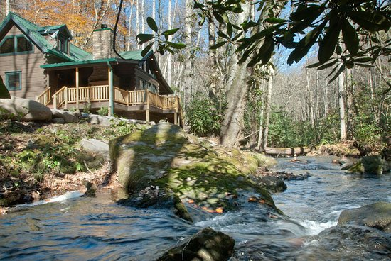 Nantahala Township, NC: Our Creek Side Cabins are Creek Side Cabins!