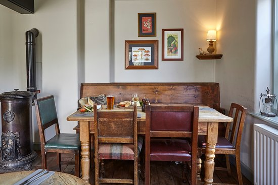 White Hart pub: The Gardeners room