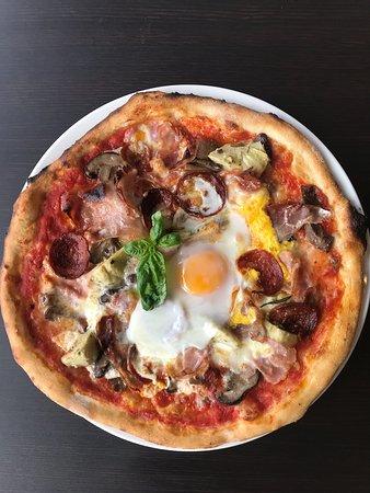 Zazz Pizza
