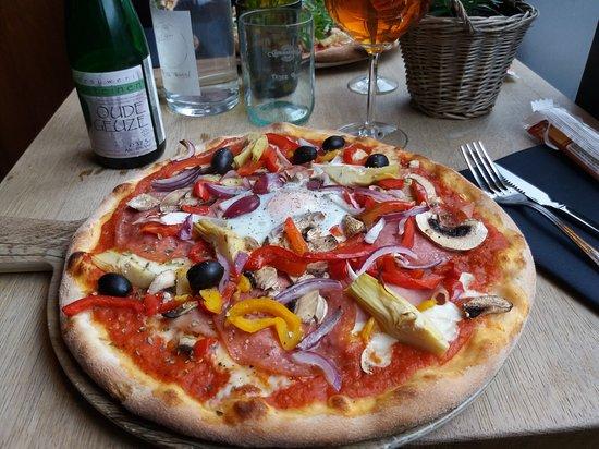 Vilvoorde, Belgia: Pizza dello chef, een echte aanrader.