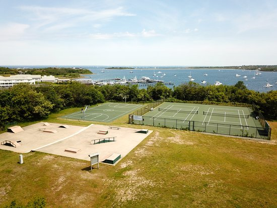 Block Island, RI: Ball O'Brien Park playground has a playground with swings, a skate park, tennis courts, a basketball court and picnic pavilion.  There is also a 1/4 mile long trail that circles the park and another that leads to the Great Salt Pond