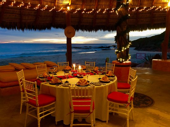 Las Alamandas Resort: So great to eat most meals with this view!